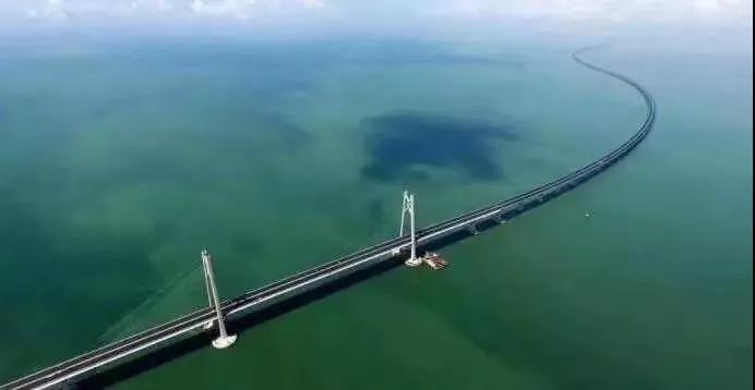 欧宝体育竞猜船动:我为你自豪 ──港珠澳大桥建设者印记